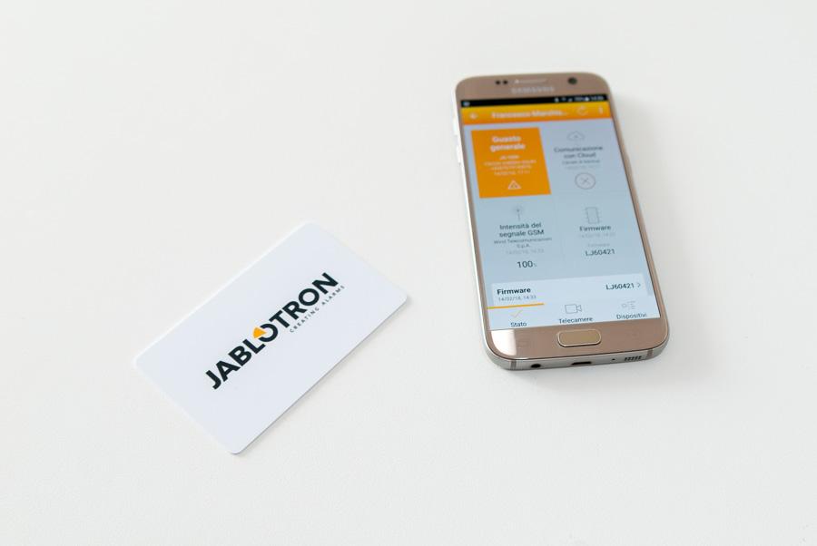 Card rfid e smatphone con l' App My Jablotron